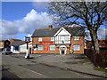 SP6927 : Fountain Inn, Steeple Claydon by al partington