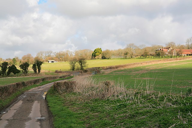 Approaching Punsholt Farm on Punsholt Lane