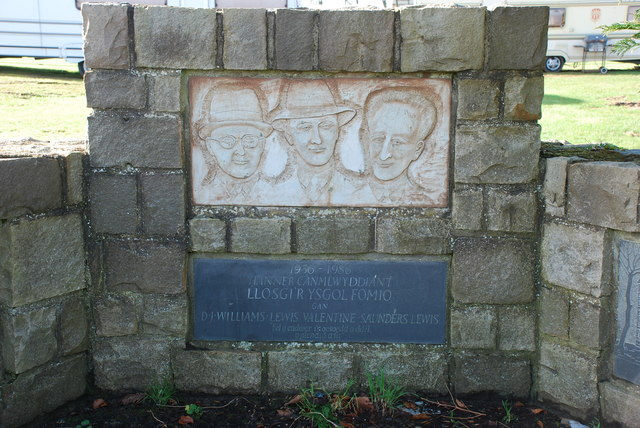Llosgi'r Ysgol Fomio - The Burning of the Bombing School