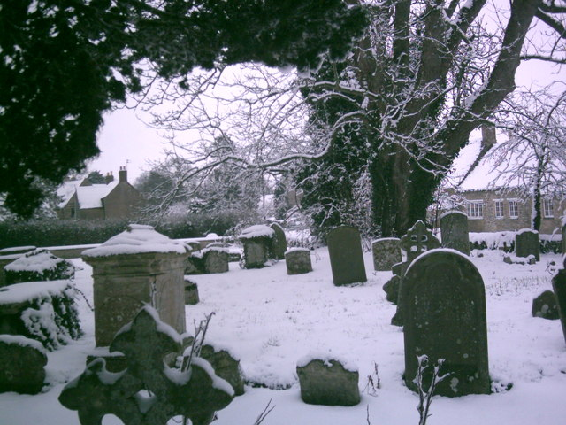 Broadwell churchyard in snow Feb. 8th 2007