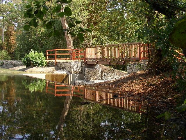 New footbridge at Darlands Lake