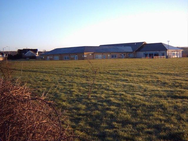Llwyncrwn School