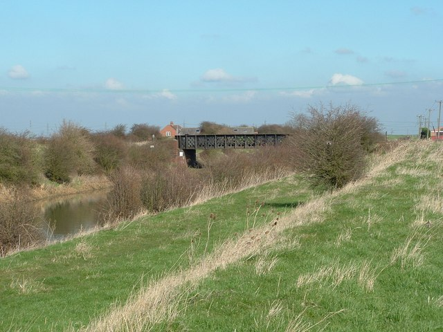 Rail bridge over the Fortyfoot Drain