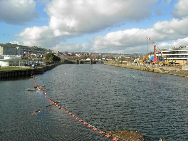 Looking up the Tawe