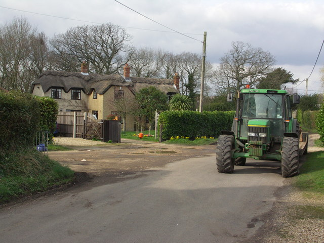 Cottage & tractor in the village of Neacroft