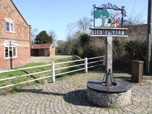Hempnall Village Sign and Seat