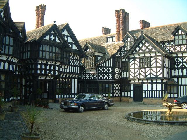 Hillbark House III (Entrance)