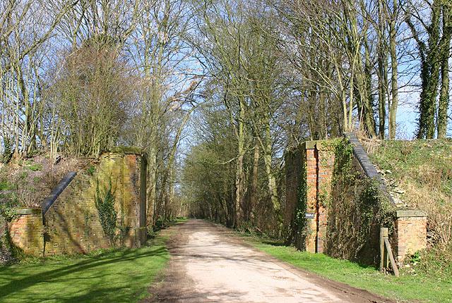Old railway bridge near Shipton Slade Farm