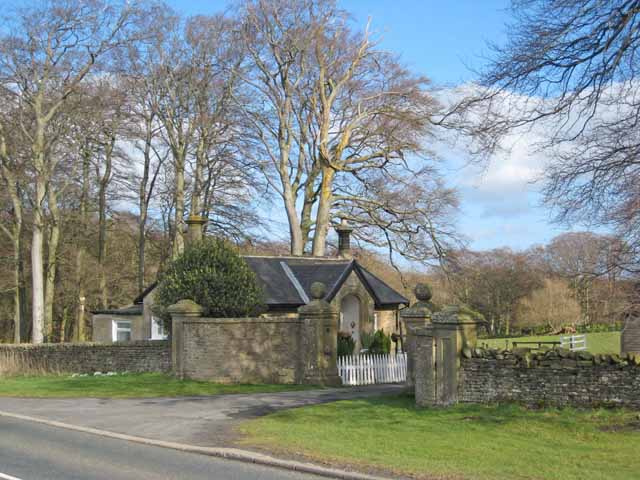 Lodge to Broomshiels Hall