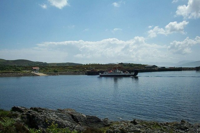 Ferry approaching the pier at Portavadie