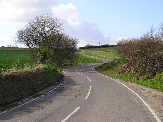 Road between High Halstow and Cooling