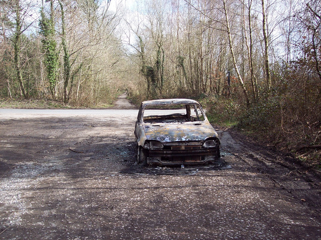 Burnt out car on the Old Shaston Drove