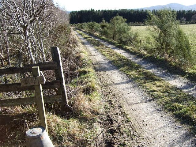 Track to Idlestone farm