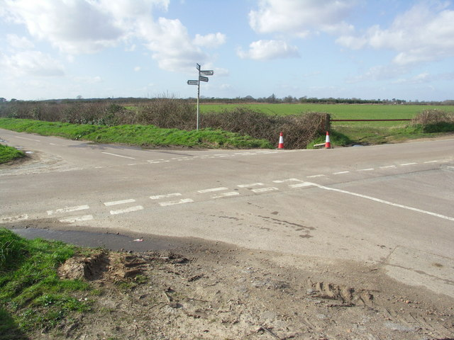 Cross Roads at Waterditch Road/Preston Lane/Hawthorn Road