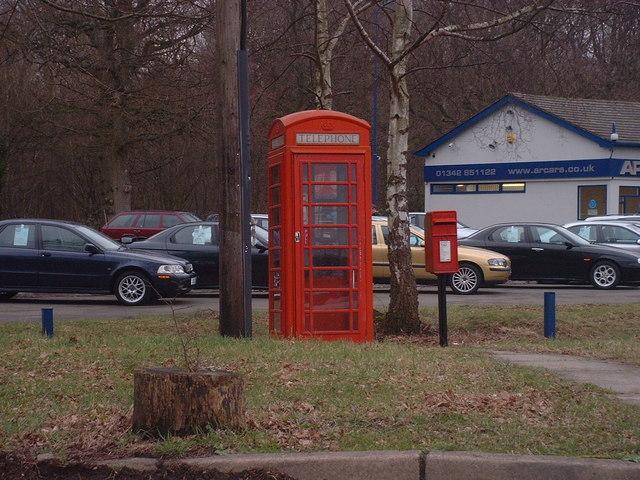 Red Telephone Box at B2026 crossroads near Holtye