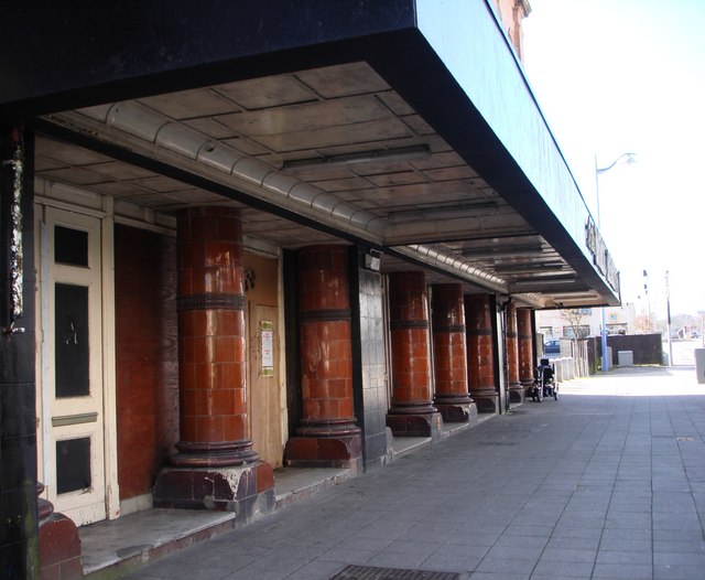Pillars at the Palace Theatre entrance, Union Street
