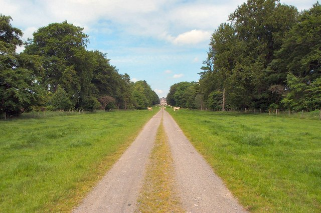The drive to Freefield House