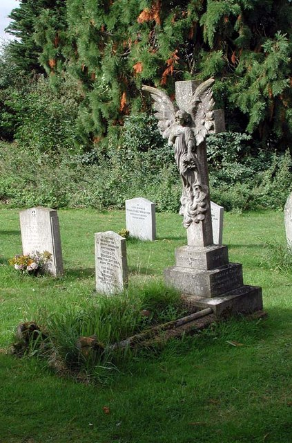 St Lawrence Church, Ardeley, Herts - Churchyard