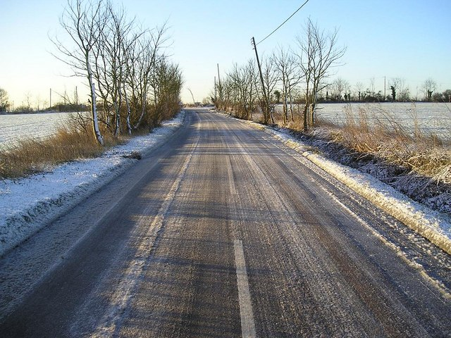 Stoke Road, Allhallows on an icy morning