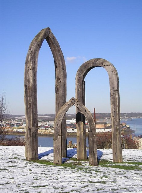 Sculpture overlooking River Medway