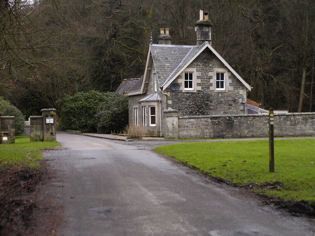Road to North Lodge