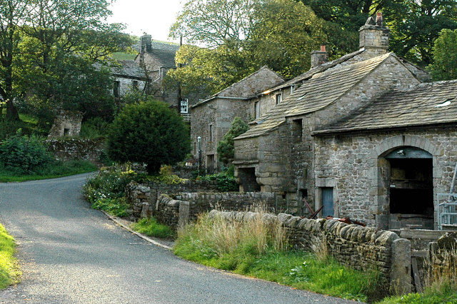 Houses and Barns in Thorpe Village