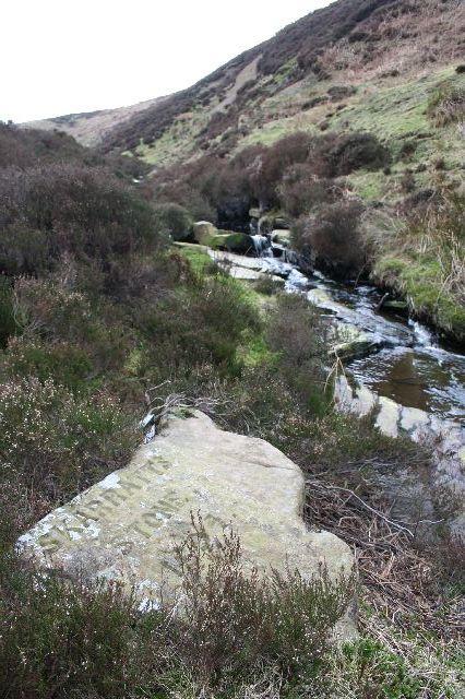 Skarratt's Stone, Laund Clough