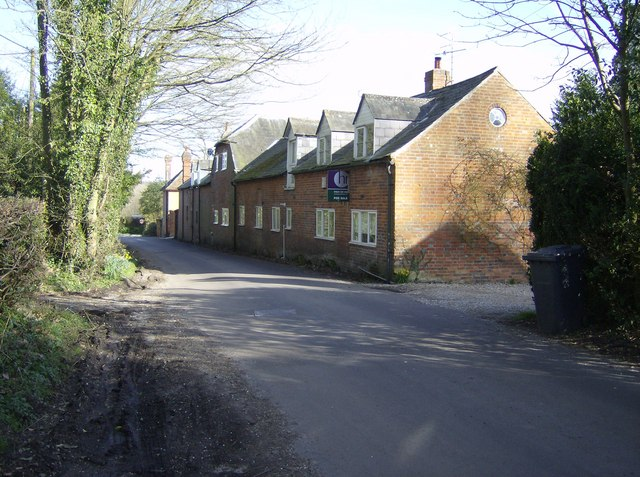 Houses in Highclere