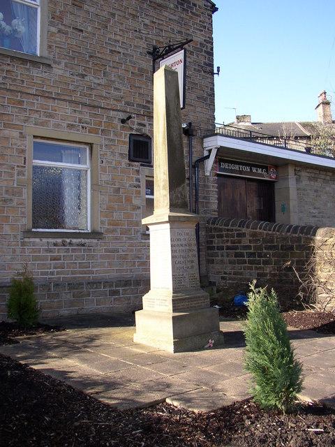 Deighton War Memorial, Huddersfield