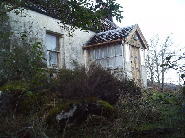 Ruined house, Kylerhea pier.