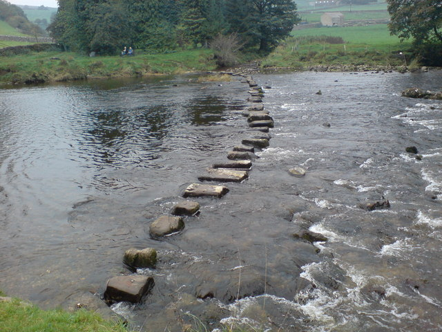 Stepping stones over the Wharfe