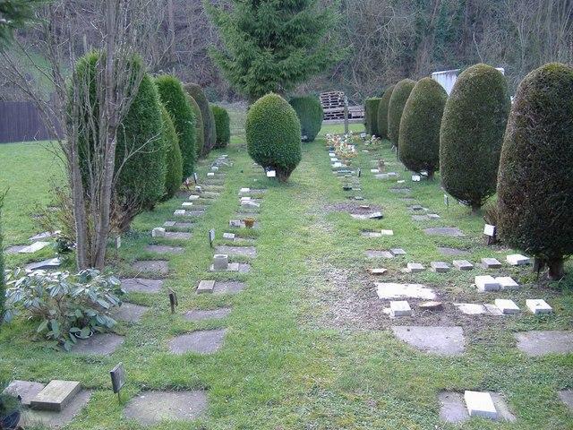 Pet cemetery, Litfield House, Nextend