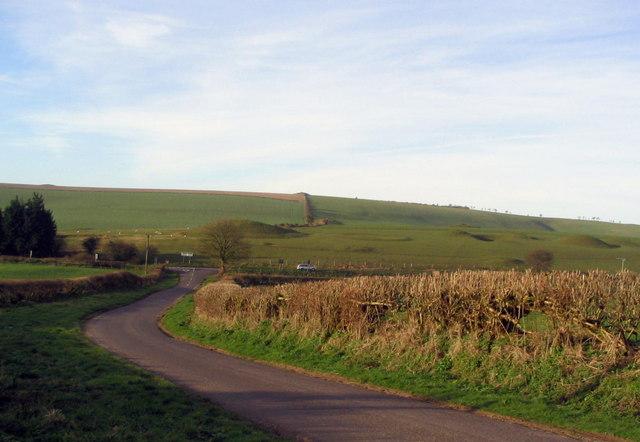 Minor road and Poor Lot barrows.