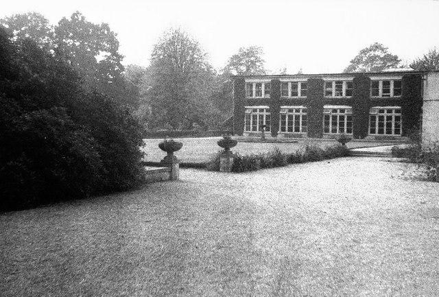 Tortington Park School (Tortington Manor)