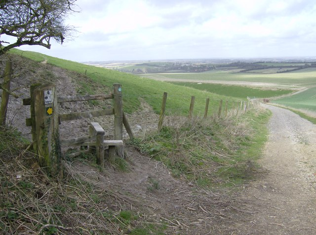 Path junction above Kingsclere