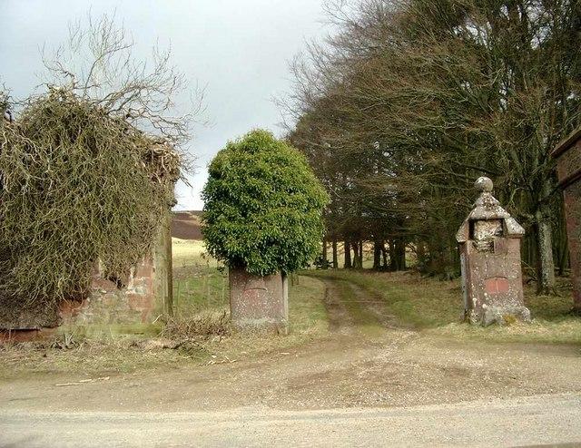 Entrance to Balintore castle