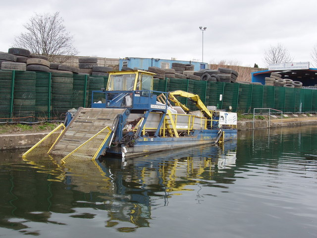 Canal litter collector boat
