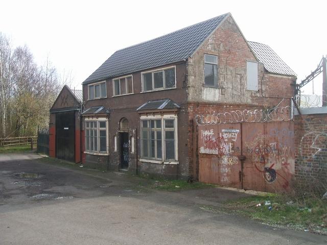 Semi-derelict buildings in John's Lane, Dudley Port