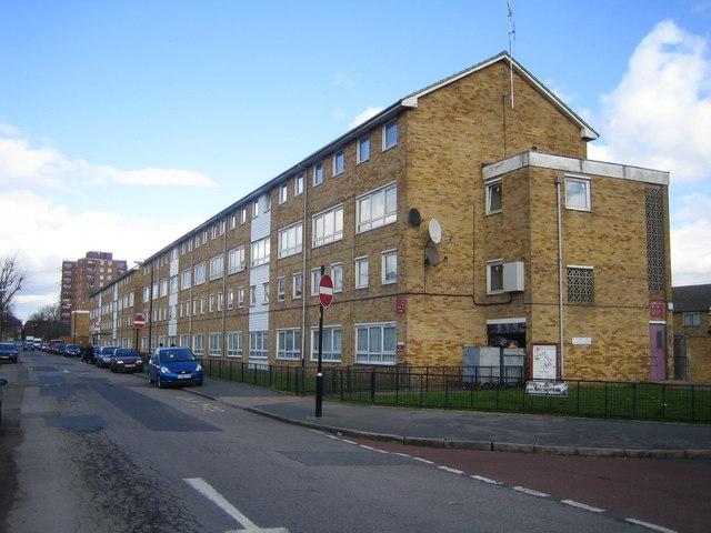 Manor Park: Dersingham Avenue, E12