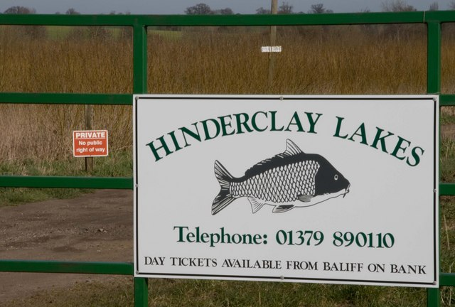 Entrance to Hinderclay Lakes