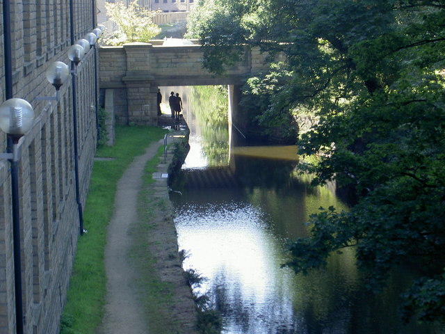 Huddersfield Narrow Canal to the rear of Canal Side East, Huddersfield University