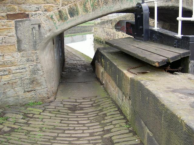 Canal Lock at Shepley Bridge, Fir Cottage, Ravensthorpe.