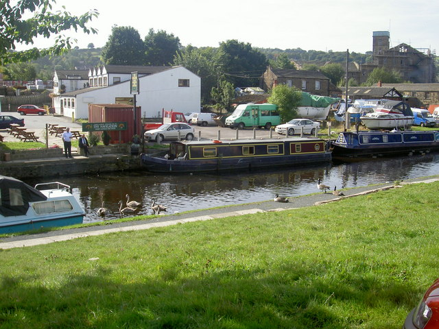 Calder and Hebble canal at Mirfield.