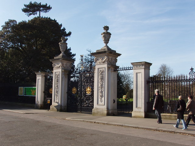 Main gate of Kew Gardens