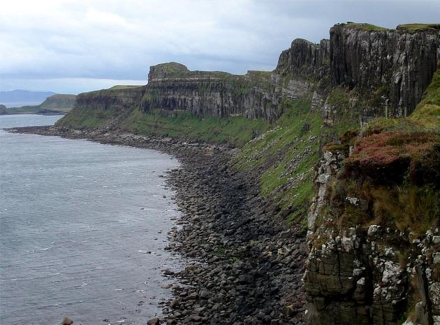 Cliffs on Skye coastline south of Elishader