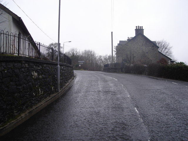 Looking uphill to road junction in Dalmally