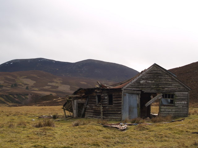 Ruined shed at Eil