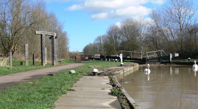 Aylestone Mill Lock and Aylestone Globe