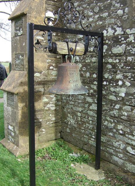 Llantwd/Llantood church bell
