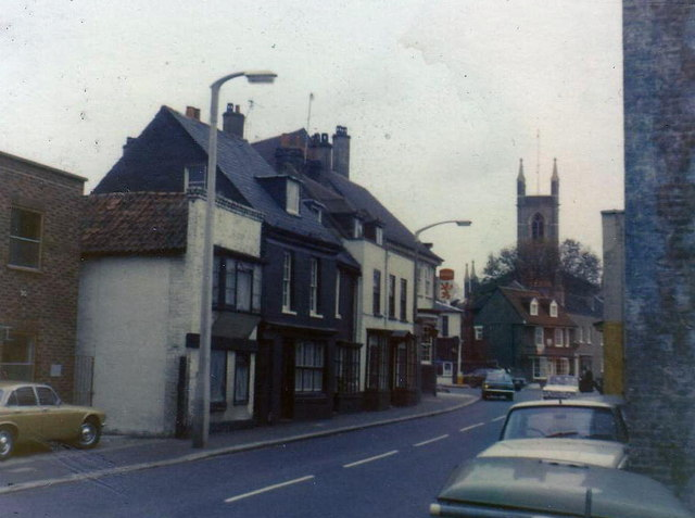 Station Road, Hampton in 1974